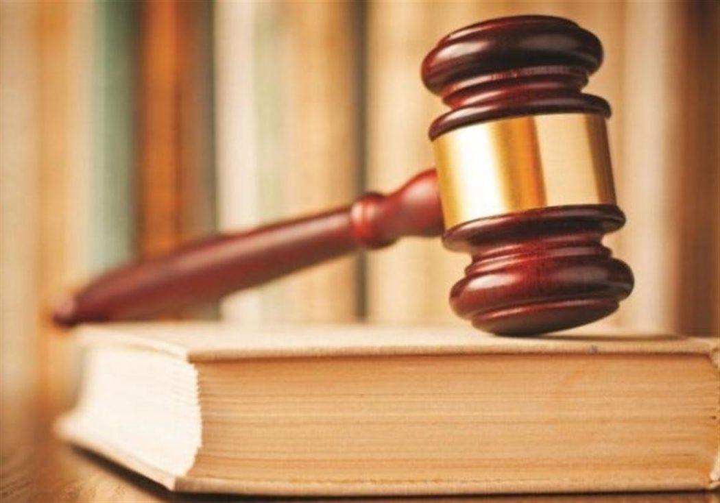 5 sentences about lawyer